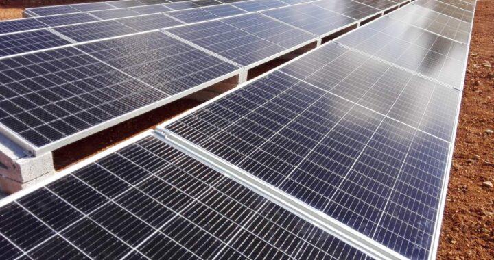 ¿Cómo funcionan las empresas de ingenieros que gestionan la instalación aislada de la energía solar?