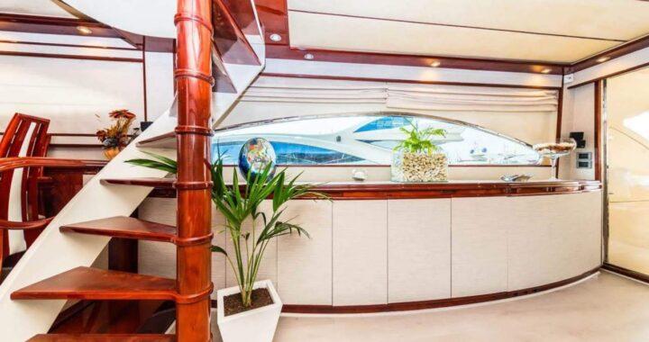 Dónde y cómo alquilar un barco en Alicante: Sur la Mer