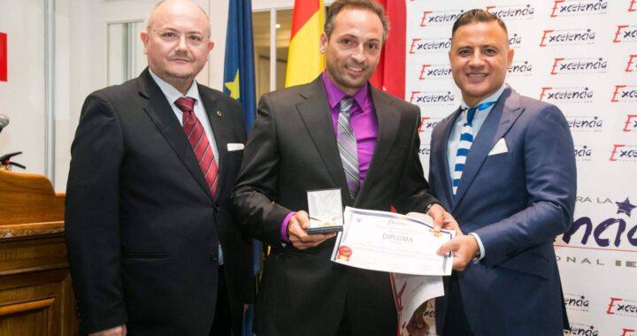 Dr. Ismael Soriano a la vanguardia de la implantología