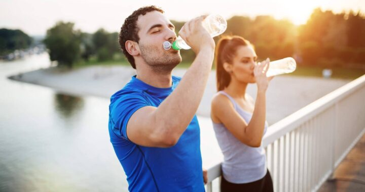 ¿Por qué la hidratación es un factor clave en la alimentación saludable? por Peter Martín