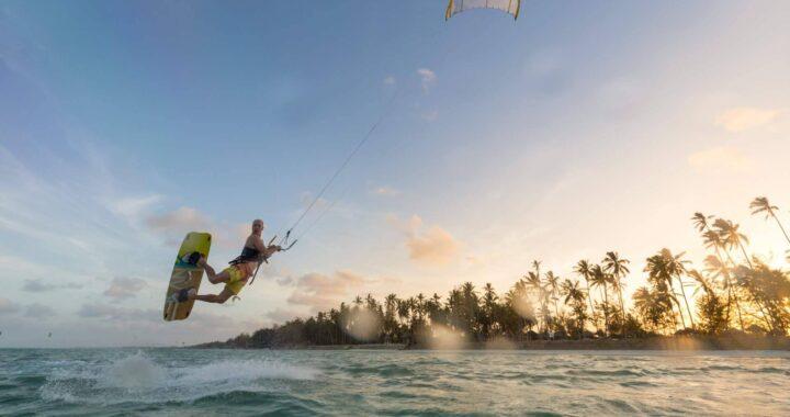 3Sixty Kite School: la escuela de kitesurf de Tarifa ofrece un completo curso de up-wind y cambio de dirección